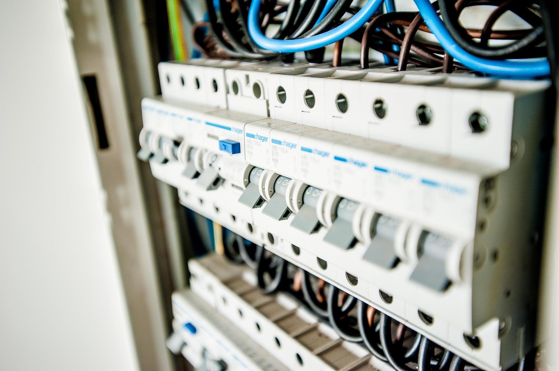 Deplacer Le Tableau Electrique La Regle Et Les Travaux A Prevoir Projet Centrale Solaire